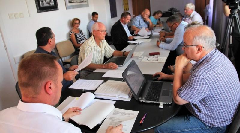 Képviselő-testületi ülés a városházán. Fotó: Vida Tünde