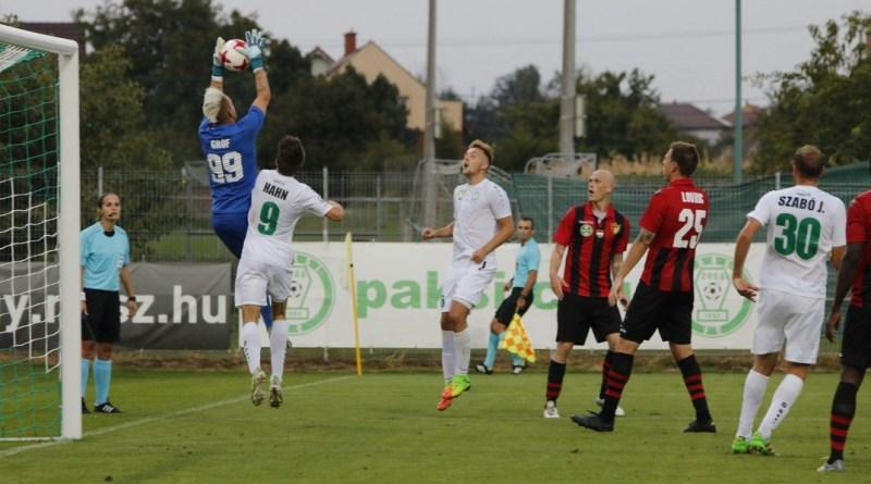 A Budapest Honvédot fogadta a Paksi FC a Fehérvári úton. Fotó: Molnár Gyula/Paksi Hírnök