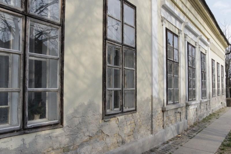 A régi református iskola épülete. Fotó: Molnár Gyula/Paksi Hírnök