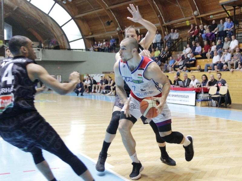 ASE-PVSK mérkőzés. Fotó: Molnár Gyula/Paksi Hírnök