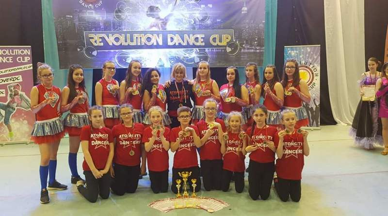 A Csillag Show Dance Team versenyen indult csapata. Fotó: magánarchívum