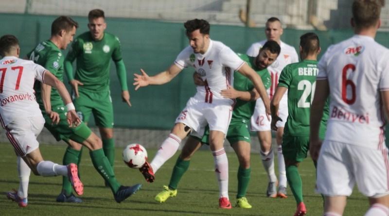A DVSC csapatát fogadta a Paksi FC a Fehérvári úti stadionban. Fotó: Molnár Gyula/Paksi Hírnök