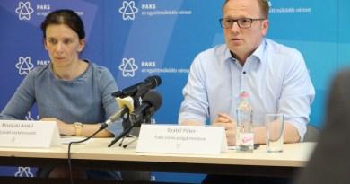 Szabó Péter és Misóczki Anikó a sajtótájékoztatón. Fotó: Vida Tünde
