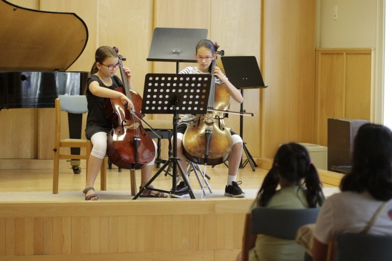 Hangszerbemutató koncert a művészeti iskola nyílt napján. Fotó: Molnár Gyula/Paksi Hírnök