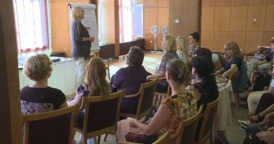 Juhász Ágnes előadása a Csengey központban Fotó: TelePaks