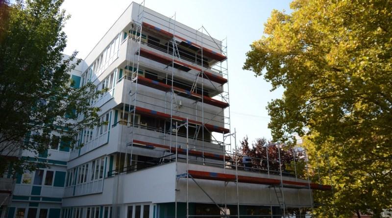 Az ESZI kollégiumi épülete. Fotó: Szaffenauer Ferenc/Paksi Hírnök