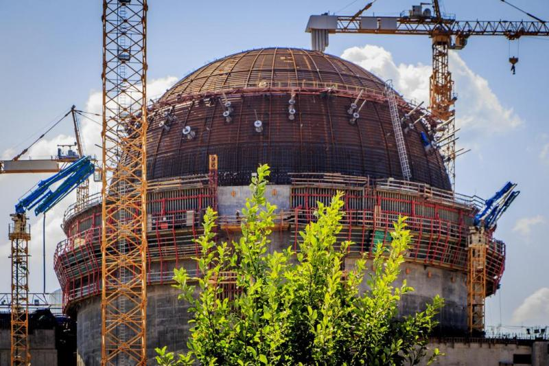 Az épülő VVER-1200-as reaktor a Leningrádi Atomerőműben. Forrás: rosengergoatom.ru