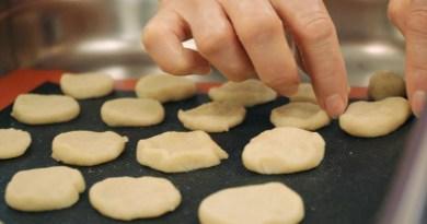paks.plusz – Adventi mindenmentes süteményeket készítettek Sitkei Balázzsal