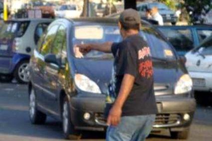 parcheggiatore_15x10-abusivo-11