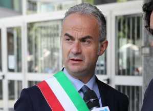 Caiazzo. Scendi in campo l'ex sindaco Pio Del Gaudio a sulla chiusura del Maxistore Decò.-media-1