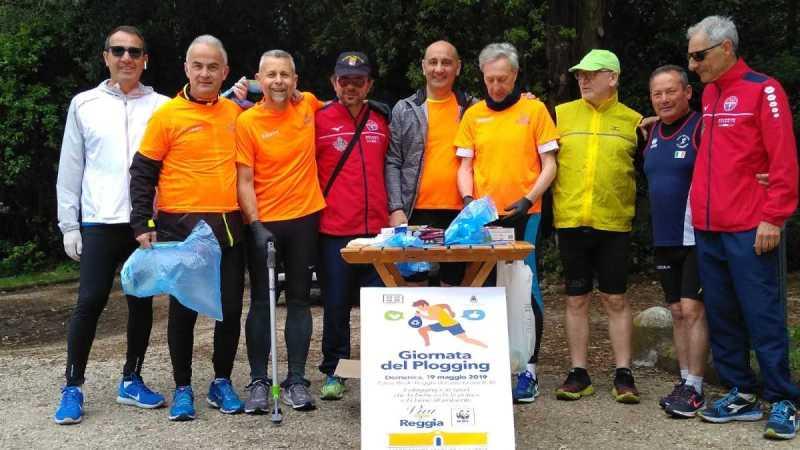 CASERTA, GIORNATA DEL PLOGGING | Associazioni volontarie ripuliscono il parco della Reggia