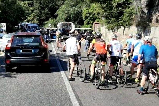 Caiazzo-Caserta. 'Centauri' contro auto: rocambolesco 'schianto' a Gradilli; traffico lungamente bloccato