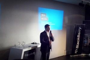 Wes Nicol, director regional para Latinoamérica de BlackBerry, durante la presentación en Buenos Aires. Imagen: TeleSemana.com.