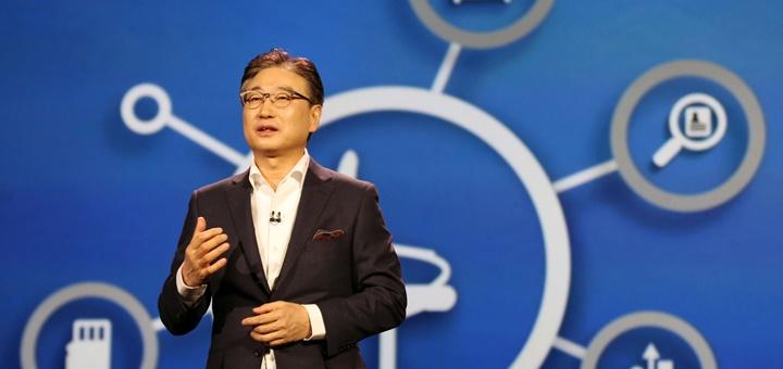 El CEO de Samsung, Yoon Boo-keun, durante su presentación en CES 2015. Imagen: Samsung