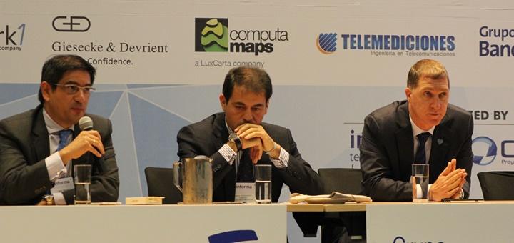 Saúl Kattan (derecha) en Andean Telco Forum 2015. Imagen: ETBSaúl Kattan (derecha) en Andean Telco Forum 2015. Imagen: ETB