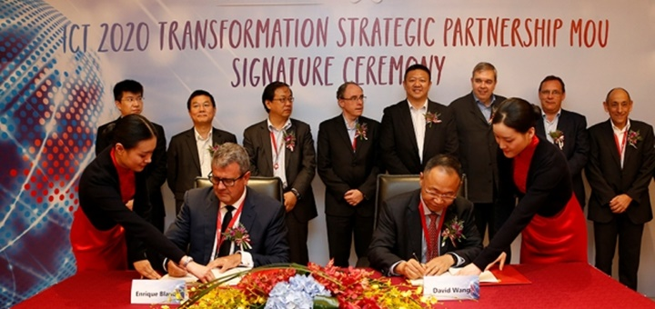 Firma de acuerdo entre Huawei y Telefónica. Imagen: Huawei