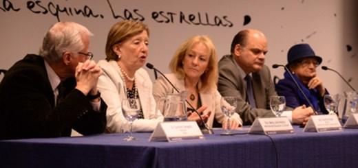 Autoridades de Antel y el gobierno firmaron acuerdos para centros MEC. Imagen: MEC.