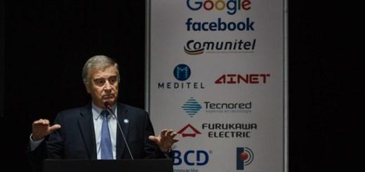 Oscar Aguad expuso en Internet Day 2017. Imagen: Ministerio de Comunicaciones