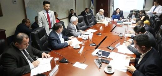 Diputados discuten modificar la ley Penitenciaria. Imagen: Asamblea Legislativa de El Salvador.