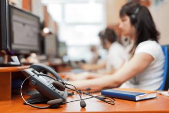 shutterstock_HABRDA_callcenter