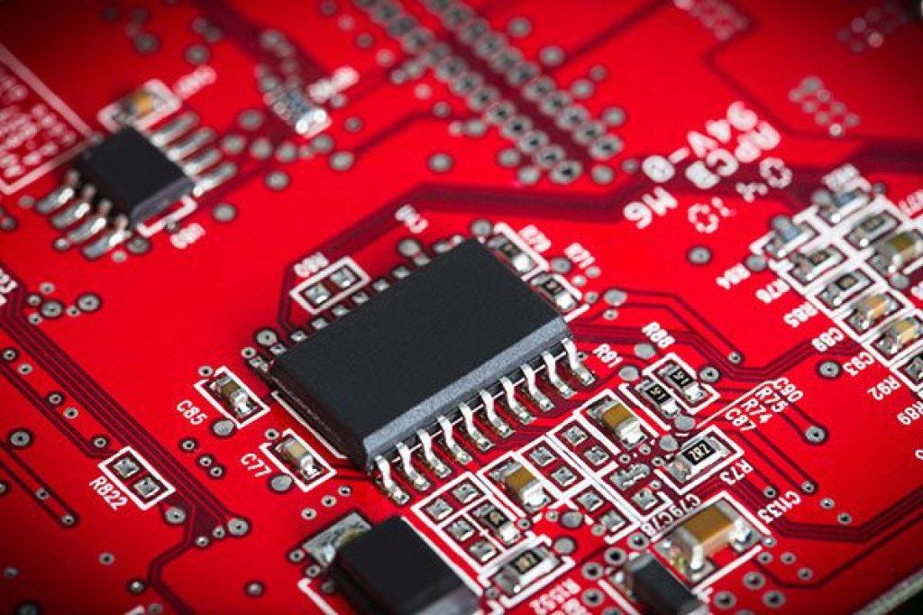 shutterstock_Kaveryn Kiryl_tecnologia_chipset