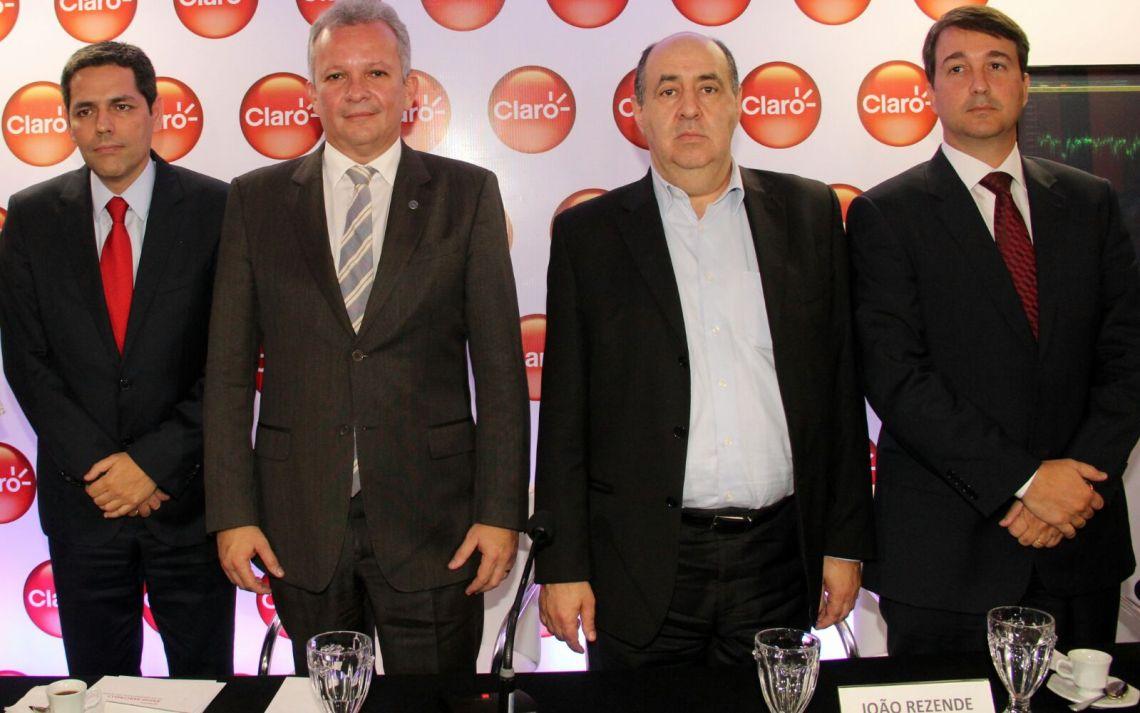 Carlos Zenteno, da Claro, André Figueiredo, do Minicom, João Rezende, da Anatel, e Andre Sarcineli, da América Móvil (Foto de Marco Cardoso, divulgação)