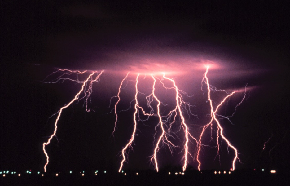 tempestade-desastre-raio-chuva