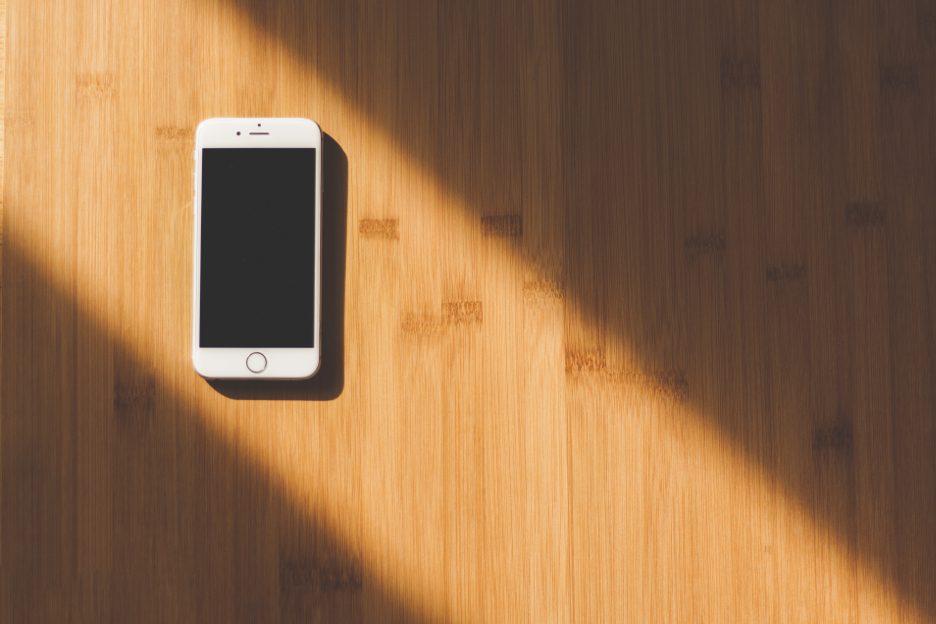 smartphone-sombrio-cemi-roubo-furto