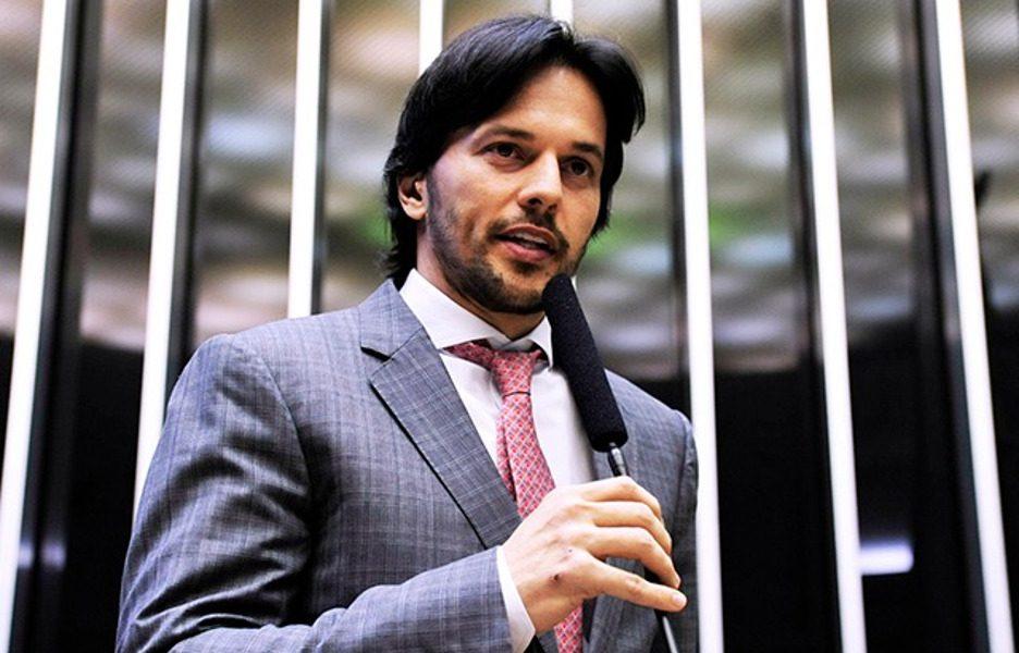 Deputado Fabio de Faria discursa na Câmara