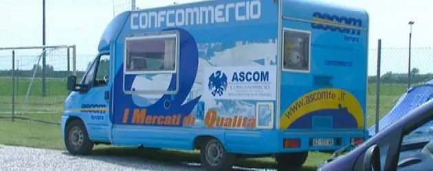 Il camper dell'Ascom a San Carlo