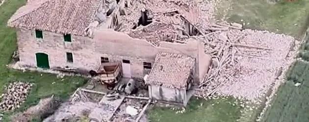 Terremoto, una giornata di terrore tra crolli e vittime