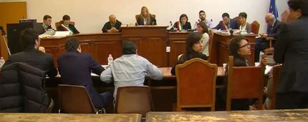 Studenti simulano un'udienza per omicidio in Tribunale