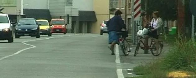 Anziana muore dopo essere caduta in bici