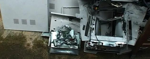 """Assalto bancomat, residenti: """"Sembrava il terremoto"""""""