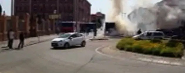 Bus in fiamme in centro – VIDEO
