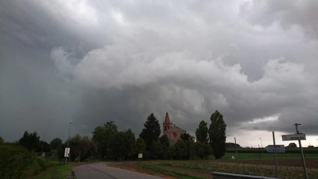 Meteo Ferrara, temporali in arrivo: l'allerta della protezione civile