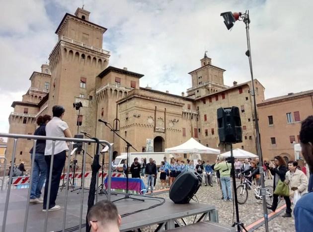 """A Ferrara c'è una """"Piazza che Accoglie"""" – VIDEO"""