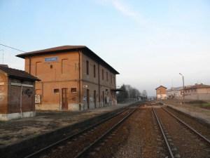 stazione treni treno