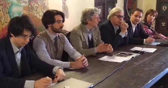 Sgarbi, a Ferrara per lista Rinascimento, interviene su Notre-Dame