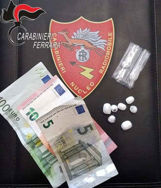 In strada con eroina e cocaina: arrestato nella notte