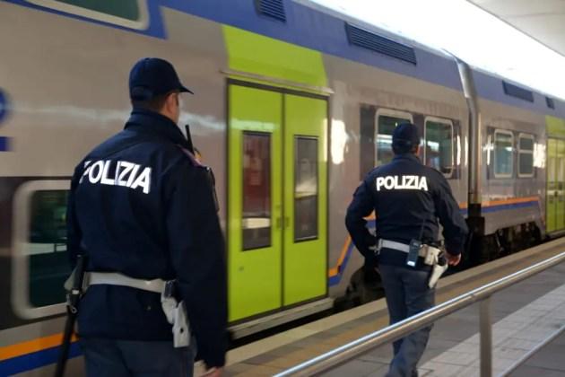 Ricercata per rapina trovata in stato confusionale su treno