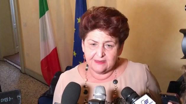 """Cimice asiatica, Ministra Bellanova a Ferrara: """"80 milioni di euro per le imprese"""" – VIDEO"""