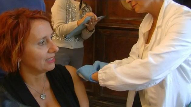 Vaccinazioni, parte la campagna antinfluenzale con i Vax Day – VIDEO