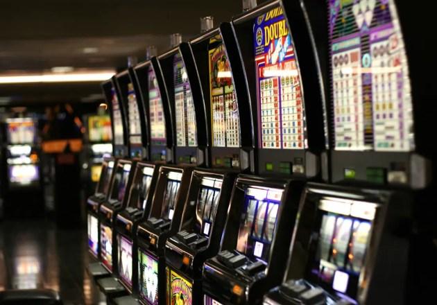Allarme gioco d'azzardo a Ferrara, direttore azienda Usl vuole scrivere a Franceschini