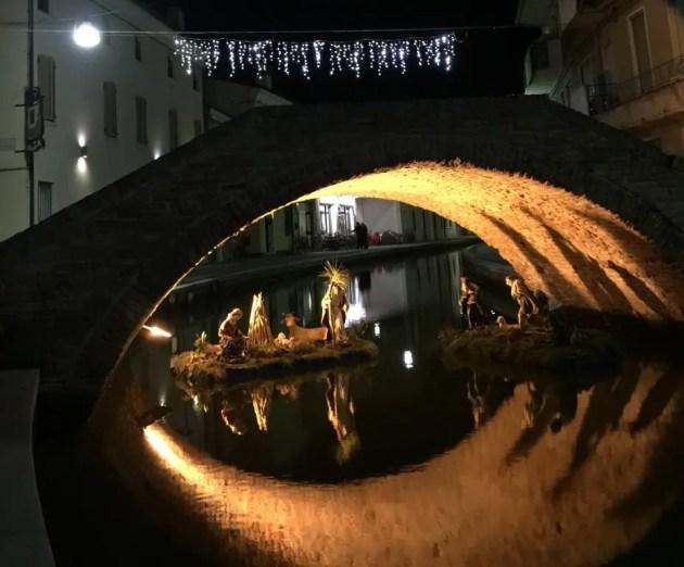 Otto Natività Artistiche sotto i ponti di Comacchio