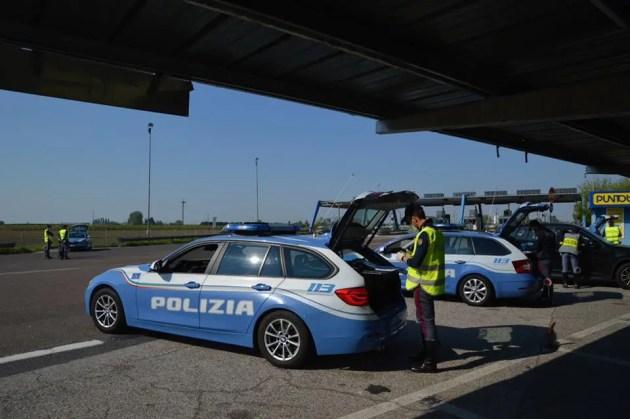 Offre 200 euro ad agenti Polstrada per evitare multa