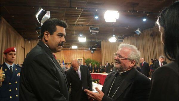 Maduro y Aldo Giordano en el diálogo del 2014