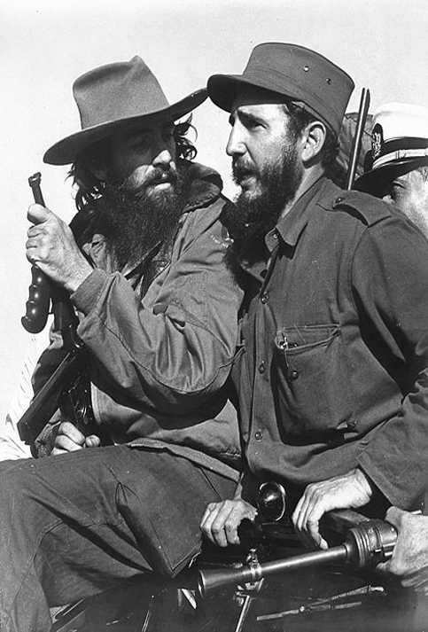 Junto a Camilo Cienfuegos, revolucionario y fiel al Comandante Fidel Castro.