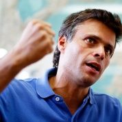 El opositor radical fue acusado de instigar las protestas violentas de 2014, entre otros delitos.
