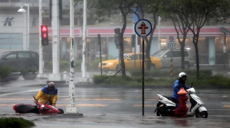 La Tercera Central Nuclear de Taiwán, que alberga los dos reactores, sufrió embates de ráfagas de viento de hasta 191 kilómetros por hora, lo que establece una marca en 120 años y da una idea de la fuerza de este tifón y su peligro para la infraestructura y vida de los taiwaneses.
